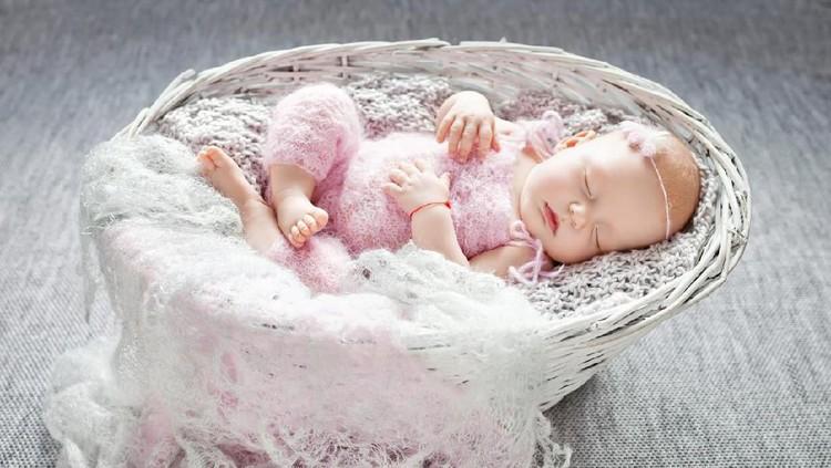 Intip deretan nama bayi perempuan dengan makna berbudi luhur berikut ini. Bisa jadi tambahan ide untuk Bunda yang sebentar lagi melahirkan.