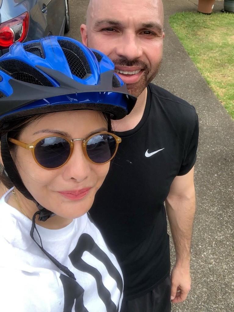 Gaya Medina dan Sajad ketika bersepeda di Auckland, Selandia Baru.