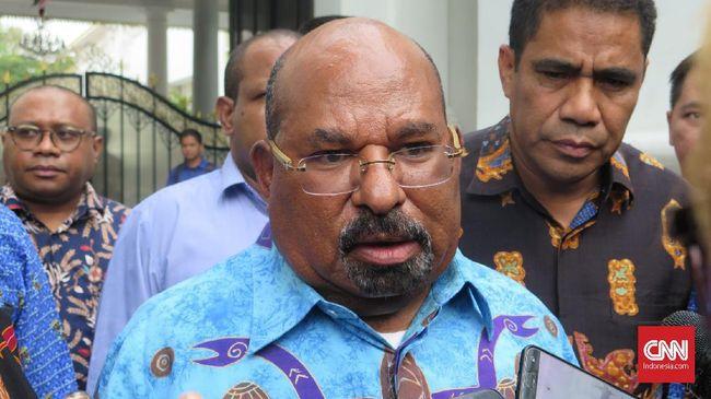 Gubernur Papua Lukas Enembe meminta pemerintah untuk segera membuka kembali akses internet di wilayahnya.