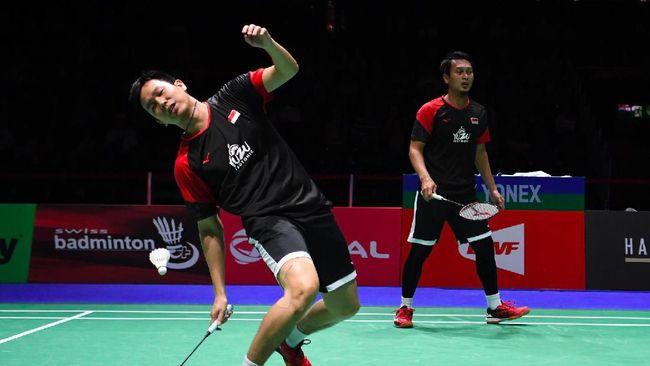 Skuad badminton Indonesia mulai menjalani latihan di gym hotel untuk memperkuat kerja jantung dan paru jelang All England 2021.