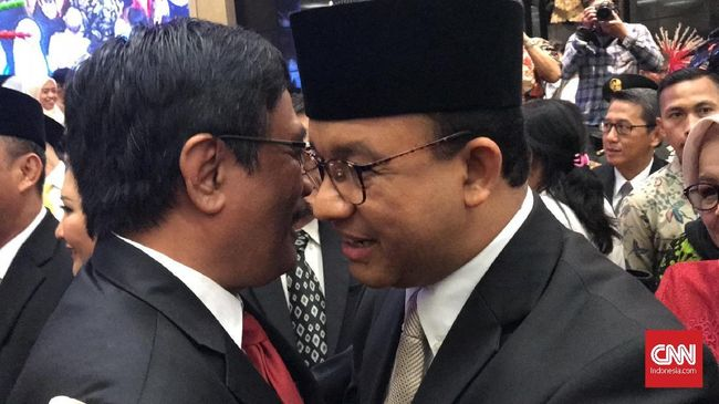 Djarot Saiful Hidayat, menyindir Gubernur DKI Jakarta Anies Baswedan usai banjir merendam sejumlah titik di Ibu Kota. Kata dia, kerja Anies belum terlihat.