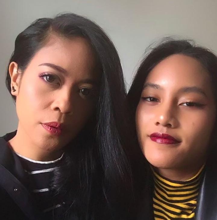 Intip foto-foto Kikan eks vokalis 'Cokelat' bersama putri sulungnya, Shira Allegra Sampurna.