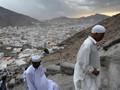 Perjuangan Mendaki Jabal Nur Demi Menggapai Gua Hira