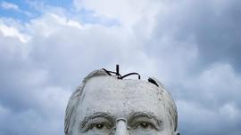 FOTO: 43 Kepala 'Presiden' AS yang Rusak di Padang Rumput