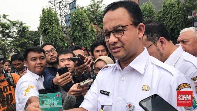 Gubernur Anies Baswedan menanggapi penangkapan enam preman yang memalak pedagang di Pasar Tanah Abang. Menurutnya, penangkapan itu merupakan konsekuensi hukum.