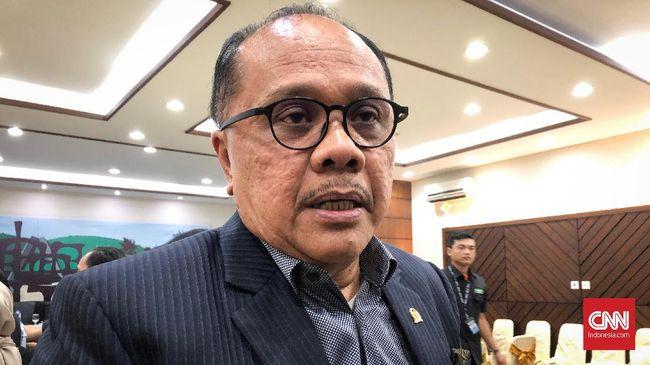 Politikus PDIP, Junimart Girsang menyebut setiap orang berhak maju menjadi peserta pemilu sepanjang pengadilan tidak mencabut hak politiknya.