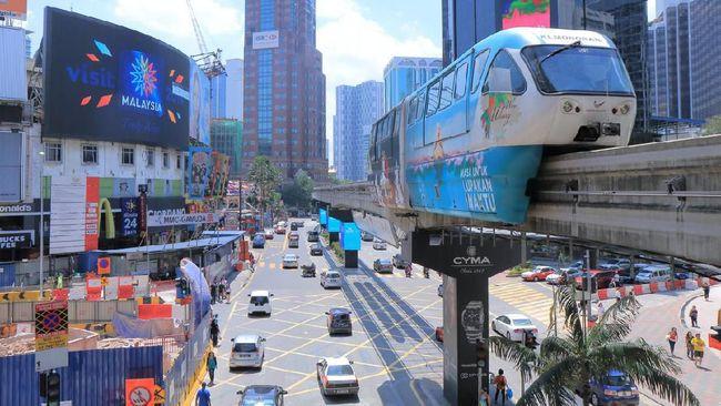 Taksi konvensional atau online bukan satu-satunya pilihan alat transportasi saat wisata di Malaysia.
