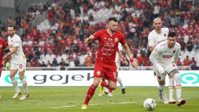 Persija Jakarta masuk zona degradasi Liga 1 2019 usai menderita kekalahan 1-2 dari Semen Padang di Stadion Patriot Candrabhaga, Rabu (16/10).
