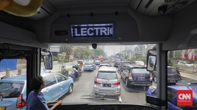 Uji coba bus listrik Mobil Anak Bangsa dilakukan di Jakarta, Rabu (28/8).
