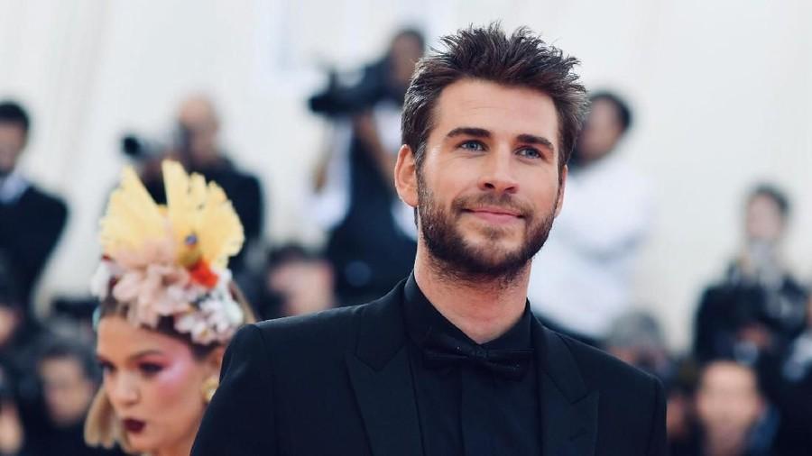 Total Kekayaan Liam Hemsworth Usai Cerai dari Miley Cyrus