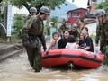 FOTO: Hujan Lebat Berujung Banjir dan Longsor di Jepang