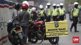 Dua Pria Todong Pistol ke Polisi Saat Ditilang Tak Pakai Helm
