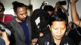 Polisi Sebut Keterangan Pembunuh Ayah-Anak Sering Berubah