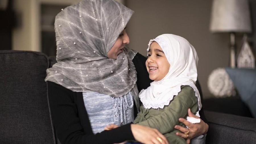 Tanamkan Ibadah Sejak Dini Lewat Lagu Anak Islami 'Ayo Sholat'