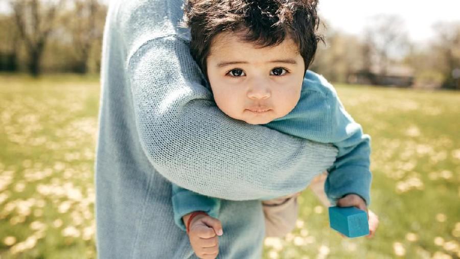 30 Nama Bayi Laki-laki Islami Berawalan Kh