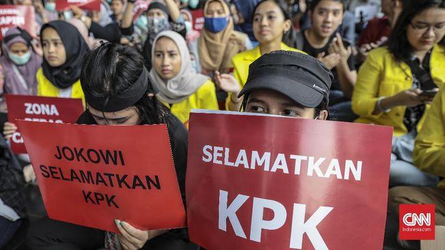 Dibandingkan survei yang dilakukan sebelum Pilpres 2019, LSI Denny JA mendapati kepercayaan publik terhadap KPK justru menurun pascapemilu.