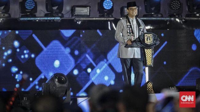 Gubernur DKI mengaku senang karena kegiatan Jakarta Muharram Festival bisa menjadi ladang manfaat bagi warga dengan berekonomi lemah.