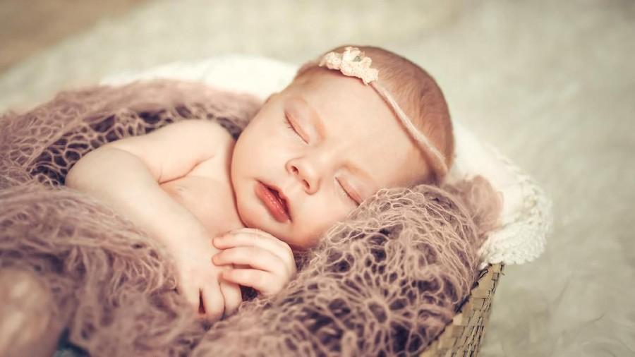 25 Nama Bayi Perempuan Indah Terinspirasi Batu Permata