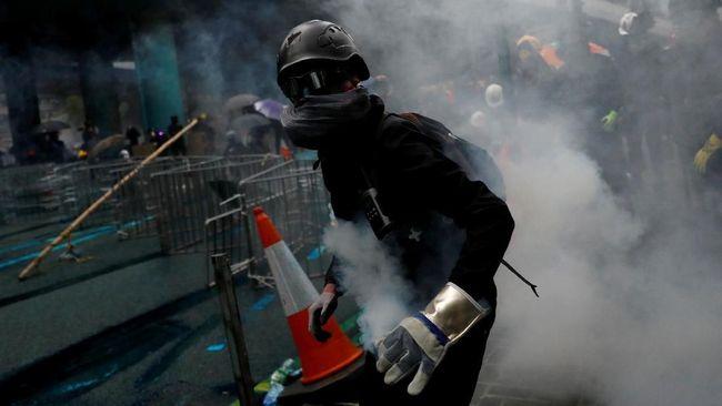 Taiwan mengimbau warganya agar tak bepergian ke Hong Kong dan China di tengah peningkatan ketegangan akibat penahanan pebisnis saat berkunjung ke kawasan itu.