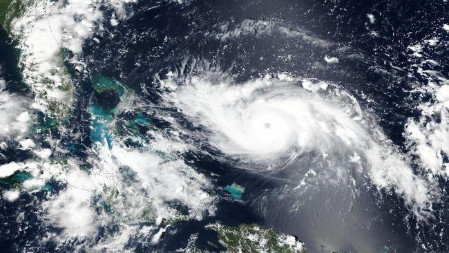 Sejumlah negara bagian AS mengevakuasi warganya untuk menghindari terjangan Badai Dorian, yang diperkirakan berkekuatan kategori 5.