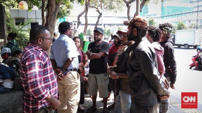 Korlap Ditangkap, Mahasiswa Papua Ikut Serahkan Diri ke Polda