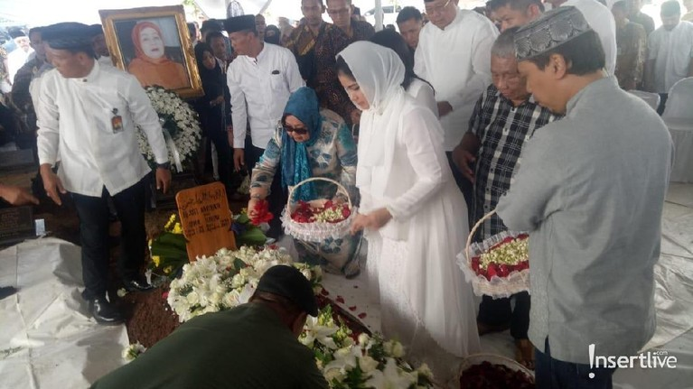 Siti Habibah mengembuskan napas terakhirnya di Rumah Sakit Mitra Keluarga Cibubur pada pukul 19.21 WIB.