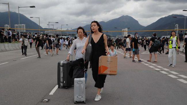 Sekitar 140 ribu turis terlantar karena agen perjalanan raksasa asal Inggris, Thomas Cook, bangkrut usai gagal dapat pinjaman untuk membayar utang perusahaan.
