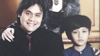 <p>Throwback kebersamaan Ita dan Dwiki bersama si kecil Nanda. (Foto: Instagram @itadyahpurnamasari)</p>