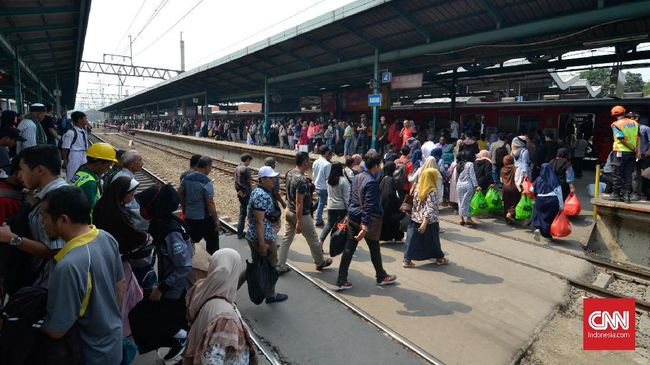 KA Bandara Soekarno-Hatta mulai beroperasi dari dan ke Stasiun Manggarai pada awal Oktober 2019.  Sebelumnya, Kemenhub telah melakukan uji prasarana.