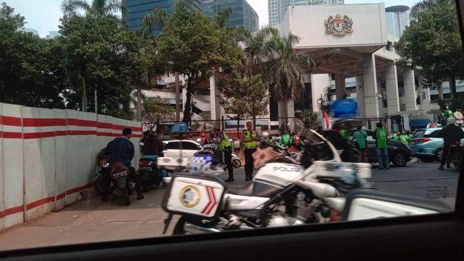 Alasan Massa Ojol Demo di Kedubes Malaysia