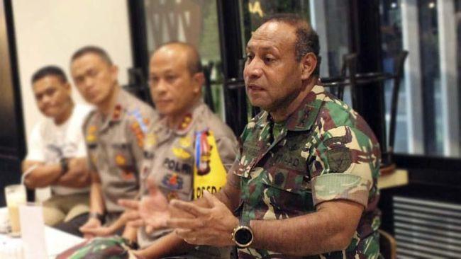 Panglima TNI Marsekal Hadi Tjahjanto resmi menunjuk Mayor Jenderal TNI Herman Asaribab sebagai Pangdam XVII/Cenderawasih berdasarkan SK 30 Agustus 2019.