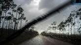 Badai Dorian menerjang Kepulauan Bahama mengakibatkan lima orang meninggal dan 13 ribu bangunan hancur. Kini badai mengarah ke AS.