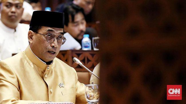 Menhub Budi Karya meminta seluruh pemangku kepentingan transportasi mengantisipasi masuknya Virus Corona ke Indonesia.