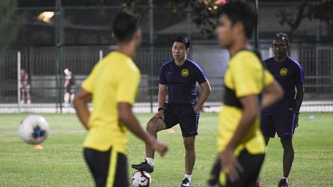 Timnas Malaysia kesulitan meraih kemenangan 2-0 atas timnas Indonesia karena masa persiapan singkat usai menghadapi Thailand.