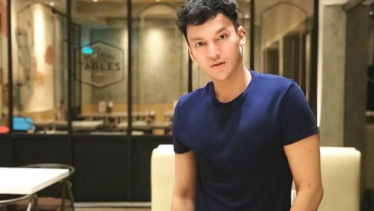 Kini, Tyo tampaknya lebih menyukai profesi sebagai pengusaha. Tertulis pada bio Instagram pribadi, Tyo adalah seorang CEO Raja Kahayangan Group.