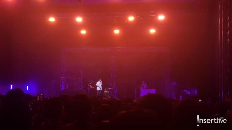 Mike Shinoda melangsungkan konser di Jakarta, indonesia. intip aksinya berikut ini.