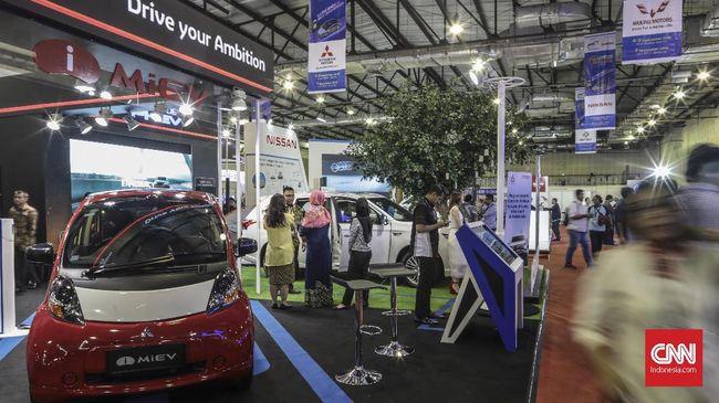MMKSI menimbang kondisi Indonesia pada saat ini lebih cocok untuk menjual mobil hybrid Outlander PHEV.
