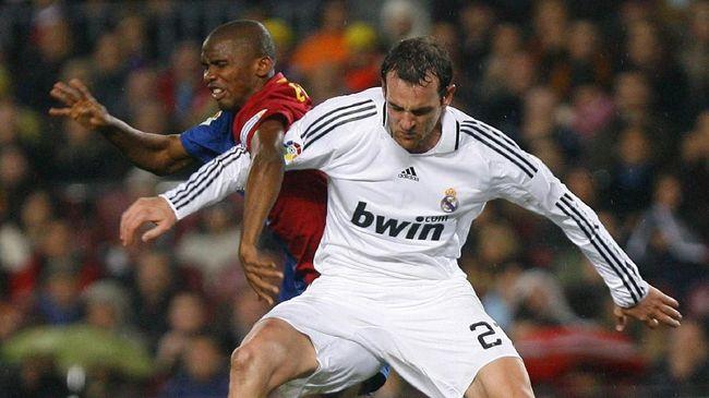 Mantan bek Real Madrid Christoph Metzelder akan diadili atas tuduhan kepemilikan dan penyebaran konten pornografi anak.