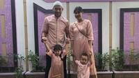 <p>Rumah tangga kiper andalan Persija Jakarta ini semakin lengkap dengan kehadiran dua buah hati, Binar Jiwa Ardhiyasa dan Benjamin Semesta Ardhiyasa. (Foto: Instagram @andritany)</p>