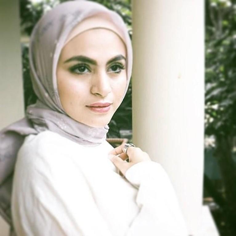 Ia mengawali mengenakan hijab pada tahun 2018.