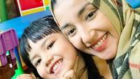 <p>Tsania Marwah diputus bercerai dengan Atalarik Syah pada tahun 2017. Kedua anak mereka, Syarif dan Shabira diasuh oleh Atalarik. Membuat Tsania tak memiliki banyak kesempatan bertemu anaknya. (Foto: Instagram @tsaniamarwa54)</p>