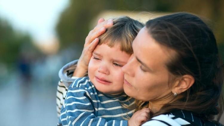 Kata-kata Bijak Orang Tua untuk Meredakan Tangis Anak