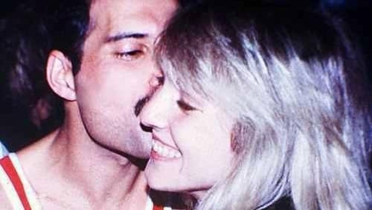 Saking cintanya dengan Marry, Freddie bahkan membuat beberapa lagu yang diciptakannya untuk sang mantan kekasih. Seperti salah satunya Love of My Life.