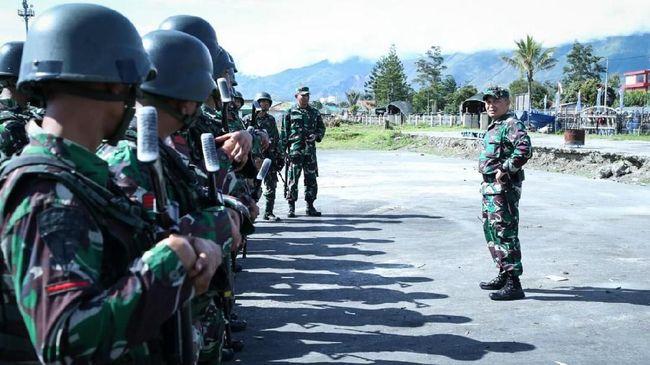 TNI mengerahkan pasukan untuk bersiaga di Kabupaten Pegunungan Bintang, Papua menyusul insiden penembakan Pesawat CASA TNI AU oleh orang tak dikenal pekan lalu.