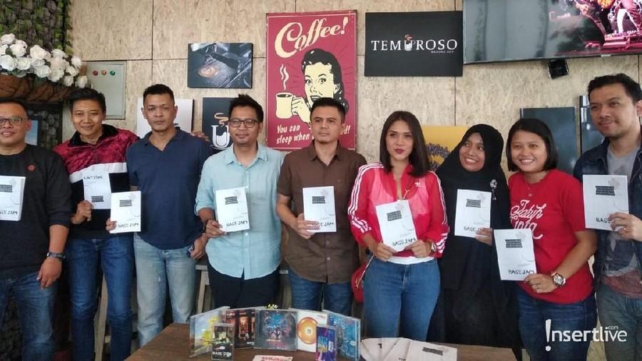 Perjalanan 25 Tahun Base Jam Berkarya Terangkum dalam Sebuah Buku