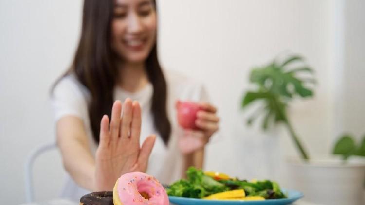Bagi Bunda yang mau menerapkan diet ketogenesis atau ketogenic, ketahui dulu plus minusnya ya.