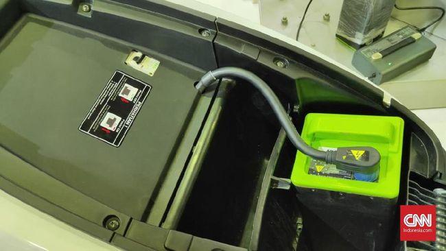 Standarisasi kemasan baterai dikatakan memudahkan konsumen motor listrik melakukan tukar baterai.