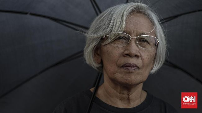 Ibu korban Tragedi Semanggi 1998, Maria Catarina Sumarsih khawatir dengan terpilihnya Prabowo Subianto sebagai Menteri Pertahanan di Kabinet Jokowi-Ma'ruf.