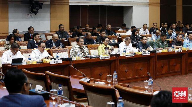 Anggota Komisi I DPR, Christina Aryani menyatakan komisinya bakal mengawal kasus parodi lagu Indonesia Raya sampai diproses hukum.