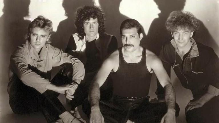 We Are the Champions. Lagu yang dirilis pada 7 Oktober 1977 ini juga masuk ke dalam Grammy Hall of Fame.